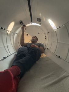 England rugby star Jonny May recovering from a sports injury at home using a Henshaw 1662 Chamber.